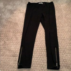Cropped leggings with zippers